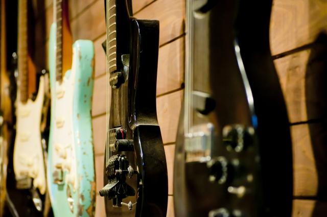 ギターの買取相場と高く売るためのコツとは?